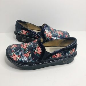 ALEGRIA Debra Slip On Navy Floral Leather Size 10